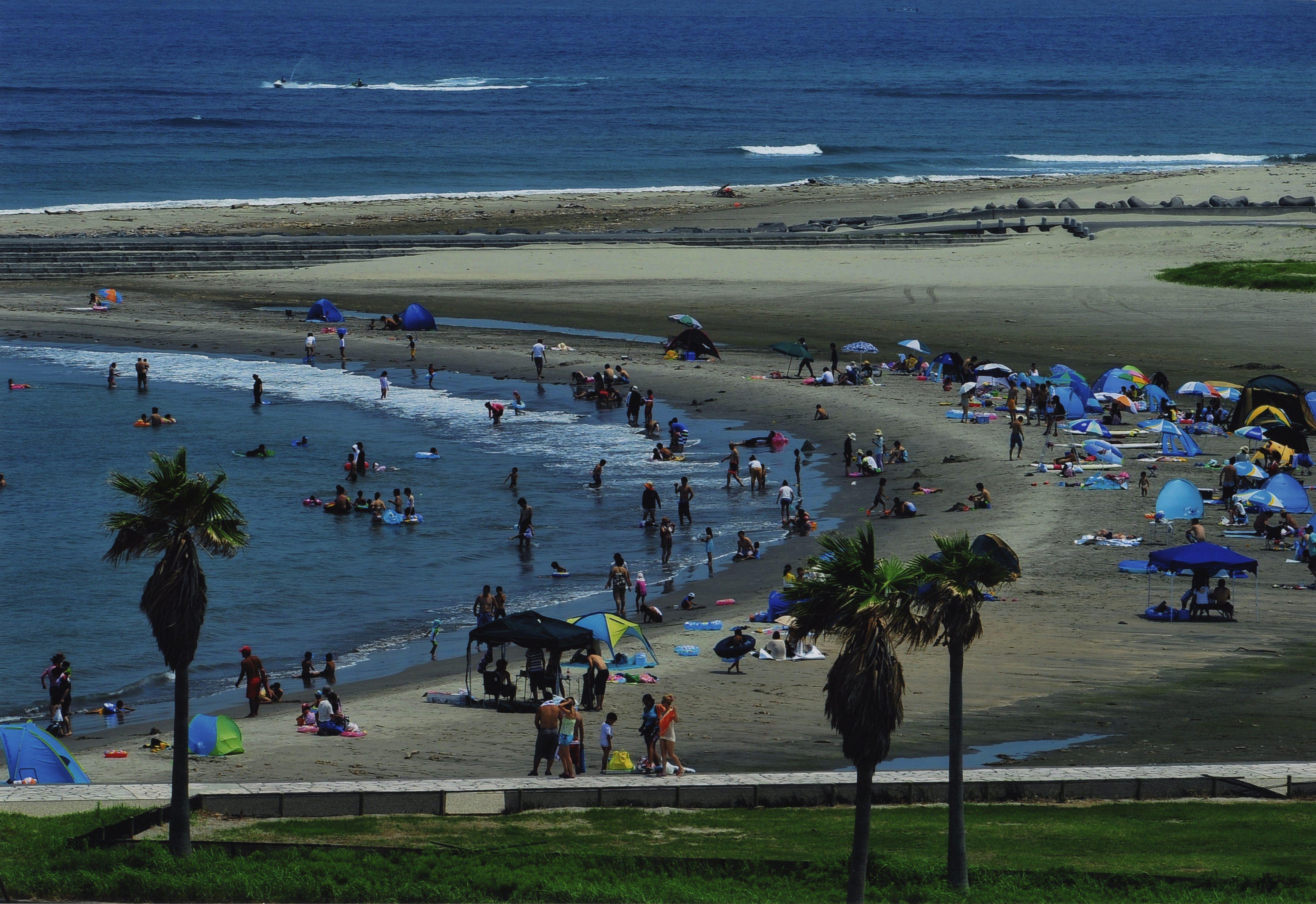 1-28_賑わうビーチ#1087結果